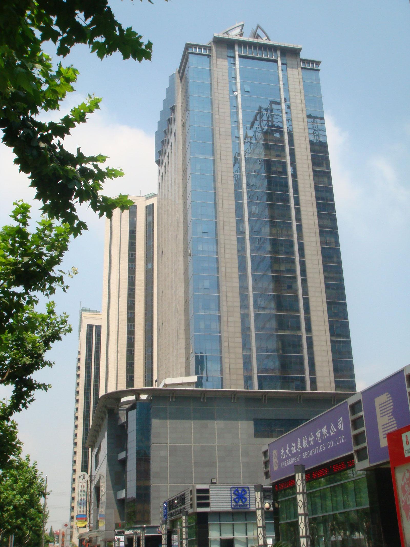 东方世纪大厦外观图