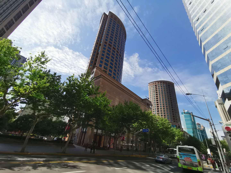 大上海时代广场外观图