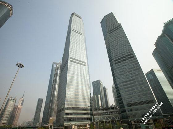 上海国金大厦外观图